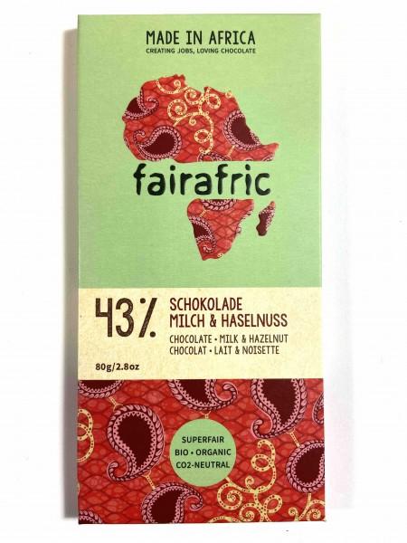 Schokolade 43% mit Haselnuss